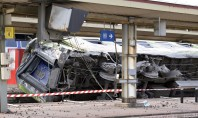 Trem sai dos trilhos e deixa pelo menos 7 mortos em Paris