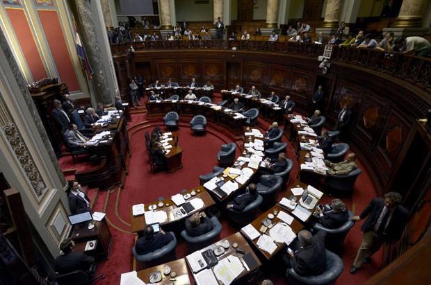 senado_uruguay_legaliza_maconha