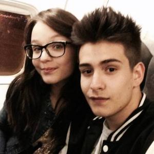 Larissa Manoela e Matheus Chequer