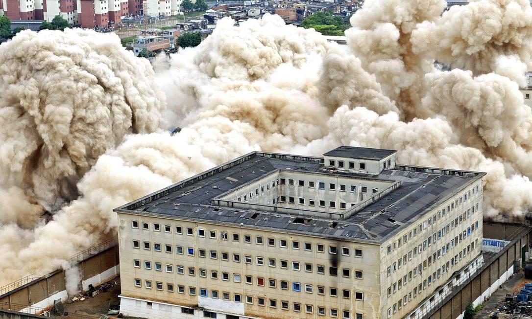 Presídio foi implodido em 2002, dez anos após o episódio Foto: Mauricio Lima/AFP